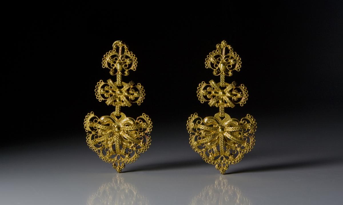 eduardo armada - fotografía y diseño web - exposición joyería gallega - tesouros privados santiago de compostela