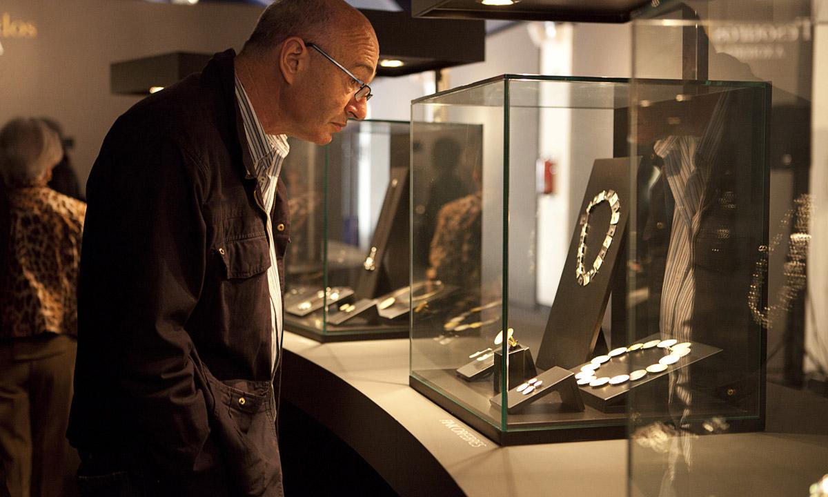 eduardo armada - fotografía y diseño web - exposición joyería gallega - tesouros privados vigo