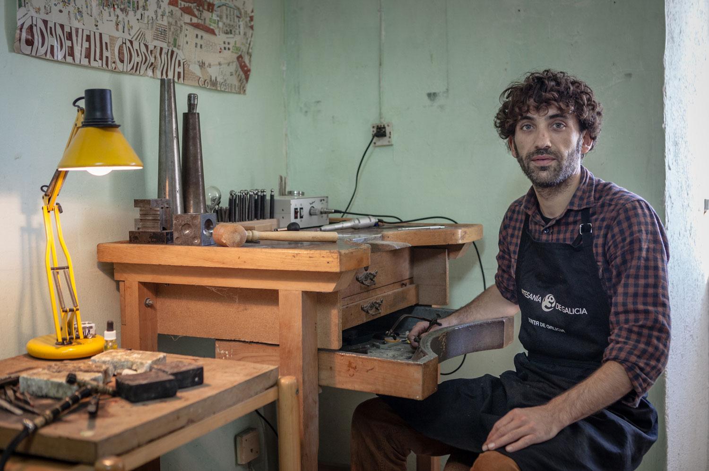 eduardo armada - fotografía y diseño web - talleres artesanía de galicia - Ferraxe de prata
