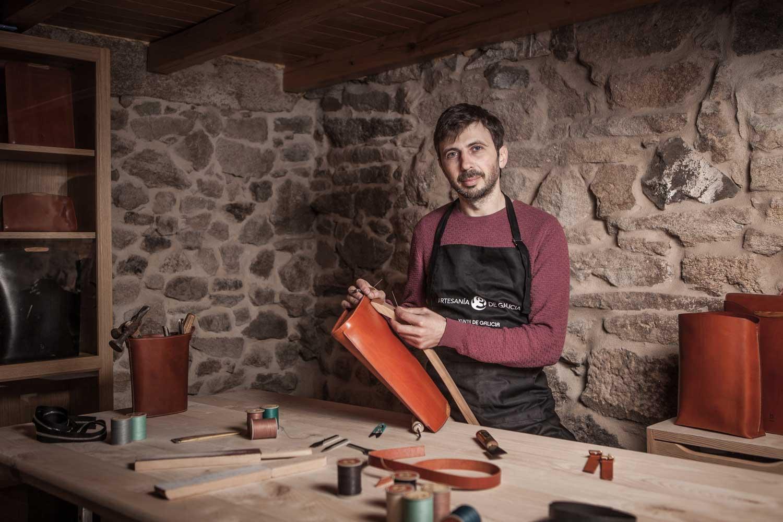 eduardo armada - fotografía y diseño web - talleres artesanía de galicia - santiago besteiro